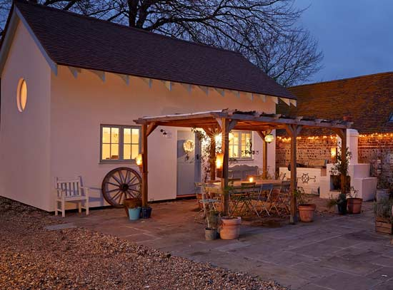 Blue Door Barns Accommodation Rooms Rates